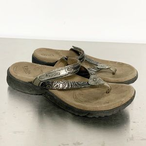 Taos | Metallic Leather Thong Flip-Flop Sandal 6